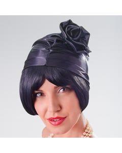 Sombrero cloché fruncido de colores metálizados