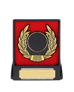 Placa con corona de laurel en caja (círculo central de 2,5 cm)